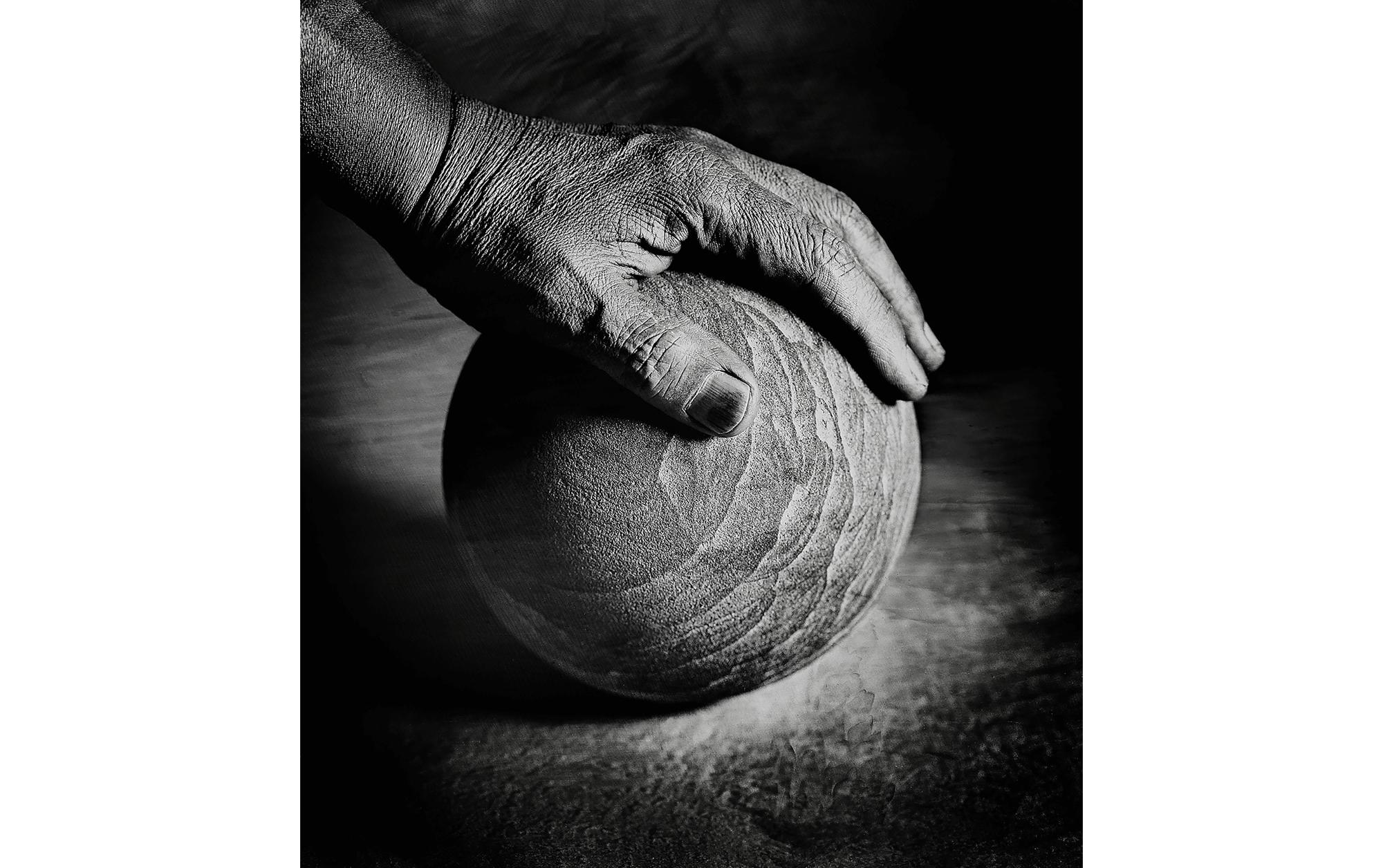 """Self portrait my hand"", 2002 © Shin Sugino"
