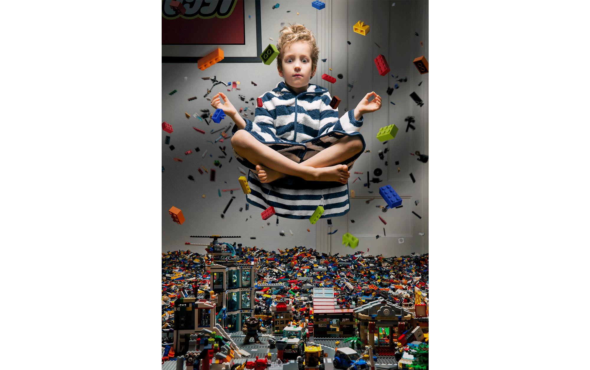 アル・ラプコフスキー Al LAPKOVSKY(ラトビア、1981)I need more Lego(もっとレゴがほしい), 2016