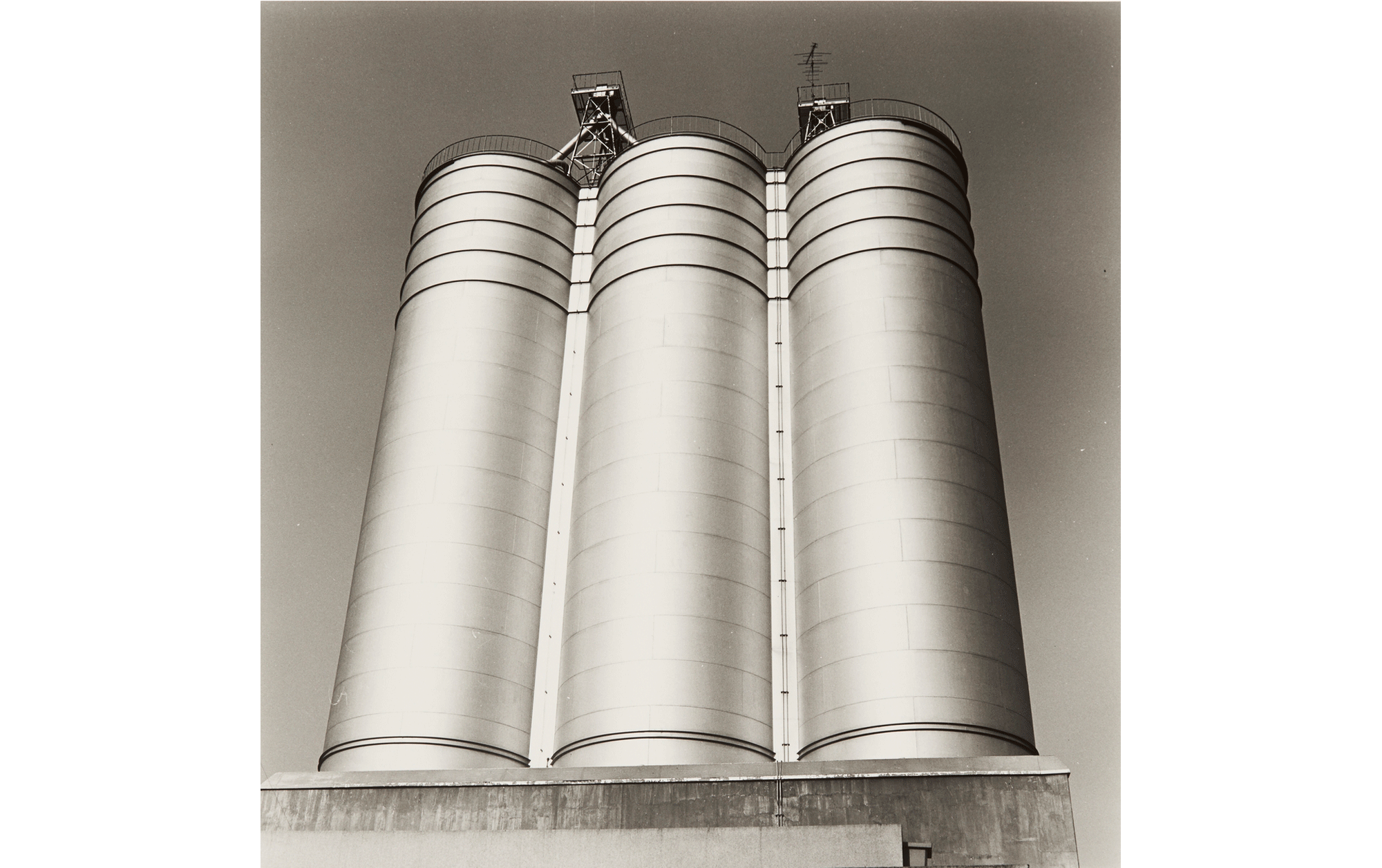 """Hitoshi Tsukiji, """"Shashinzo"""", 1984, Gelatin silver print, 24.9×24.9cm, © Hitoshi Tsukiji / Courtesy of Taka Ishii Gallery Photography / Film"""