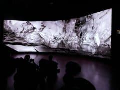ラファエル・ダラポルタ「ショーヴェ洞窟」京都文化博物館 別館 1階