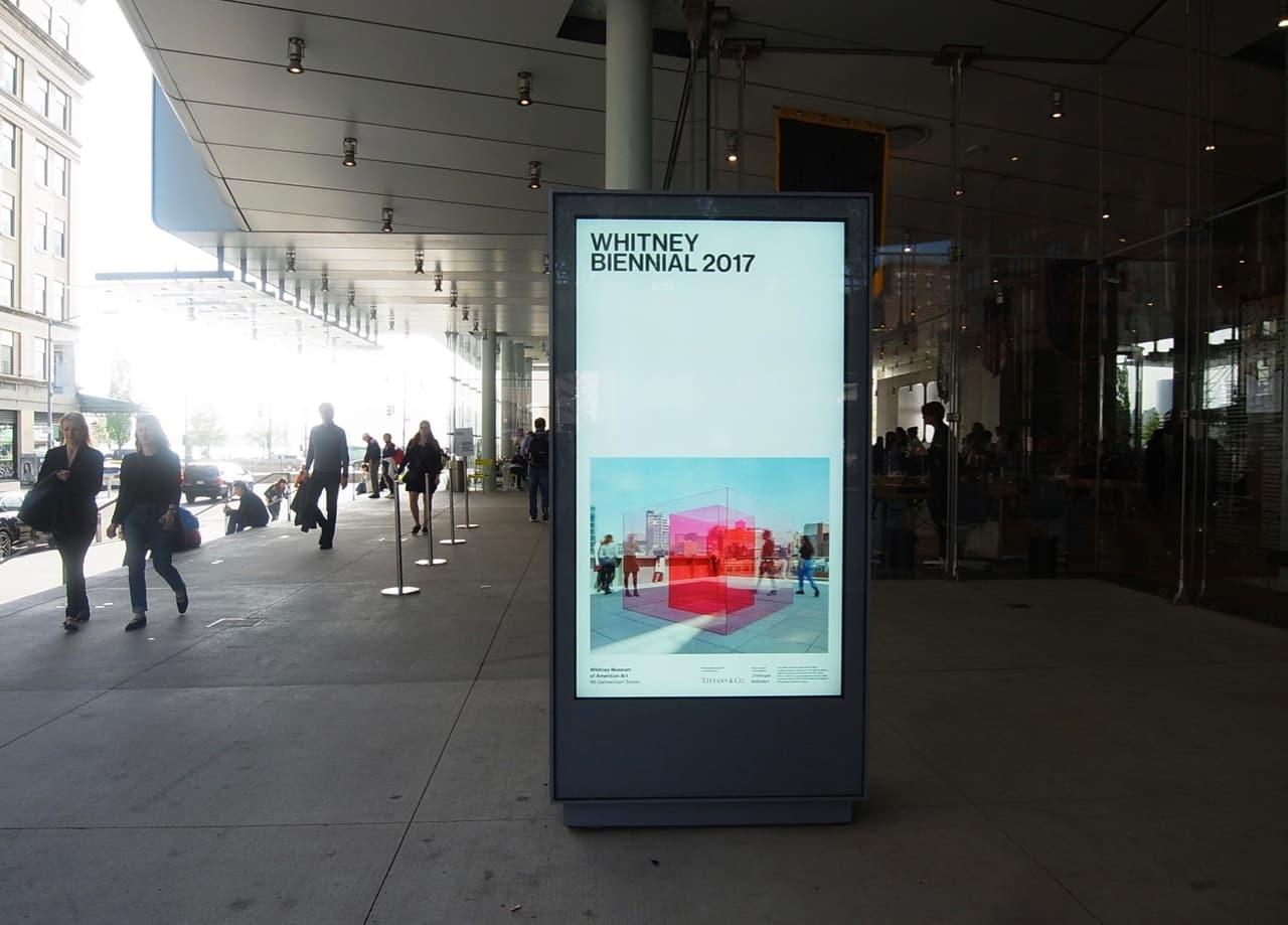 ホイットニー美術館の入り口付近