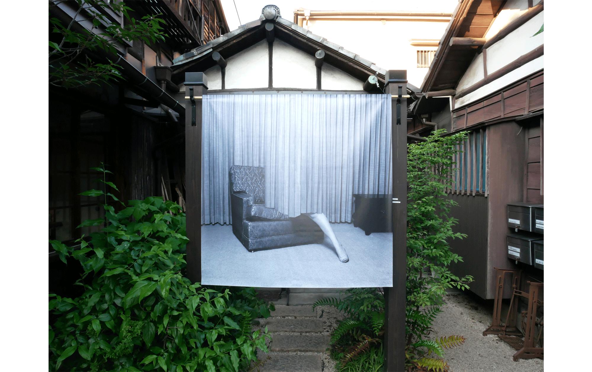 新緑の上野で、写真を通して見えないものを可視化する「T3 PHOTO FESTIVAL TOKYO」レポート   エヴァ・ステンラムの展示作品。