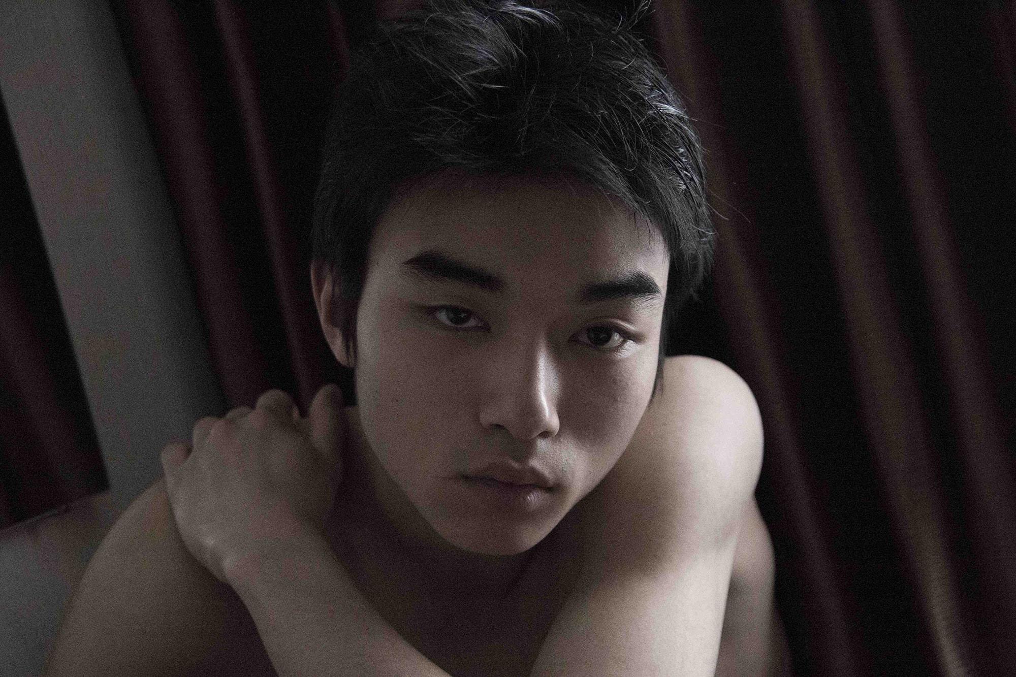 藤江琢磨の『愛について』:グレーの心