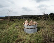 Brothers in the tub, Mas Malakoff 2011, series Emmy's World © Hanne van der Woude