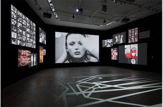 企画展「写真都市展 −ウィリアム・クラインと22世紀を生きる写真家たち−」(Photo: Masaya Yoshimura)