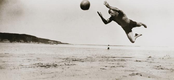ジャック・アンリ・ラルティーグ《デスピオ、アンダイ》1927年 ゼラチン・シルバー・プリント