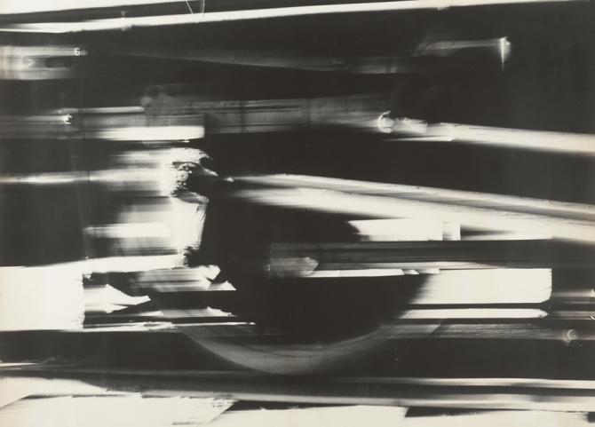 津田洋甫,「回帰 IRON」,1962年, ゼラチン・シルバー・プリント, 67.8×91cm © 浪華写真倶楽部, courtesy MEM