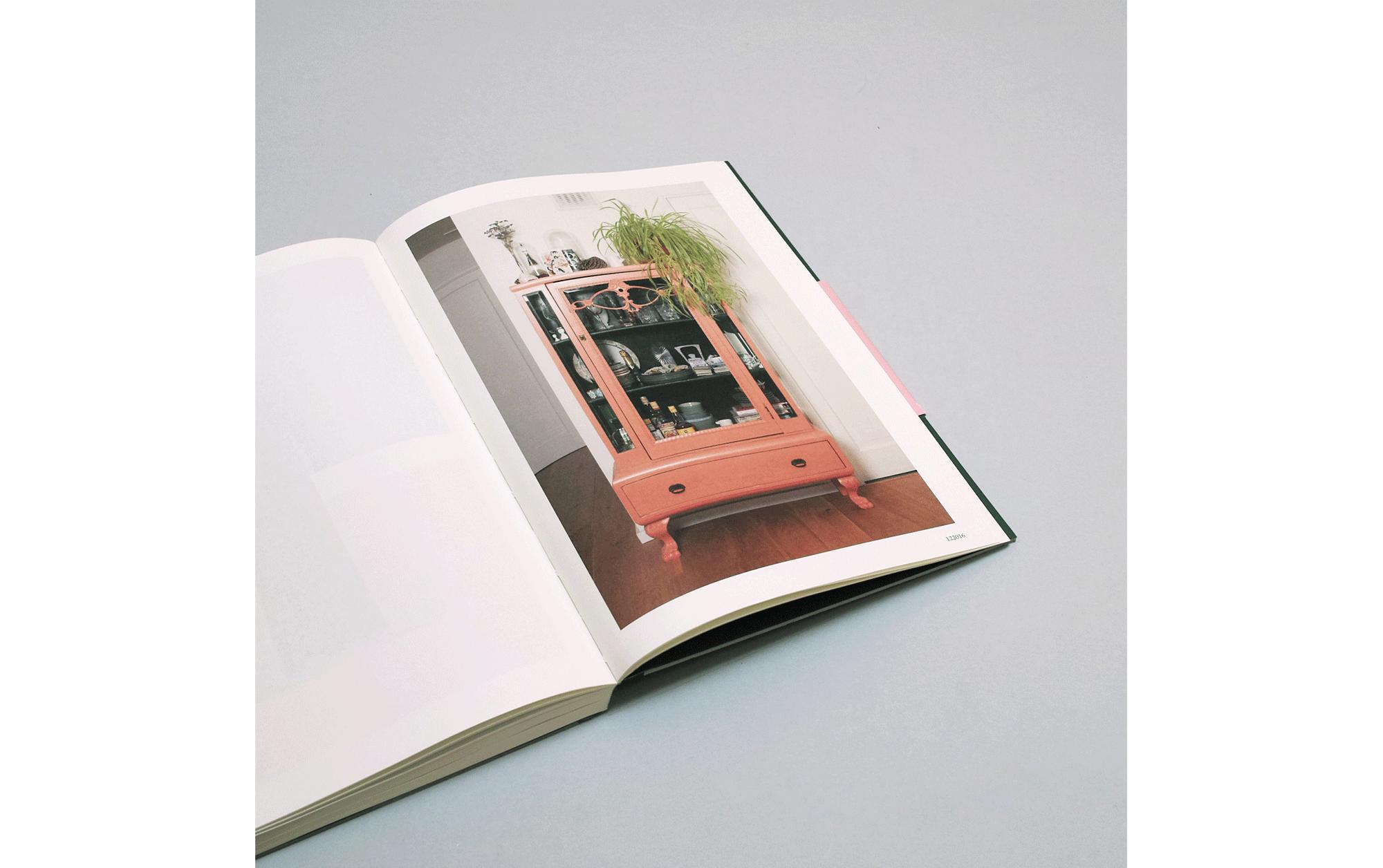 書店員がピックアップする10月のおすすめ写真集【POST編】 | リリア・ルガンスカイア『Investigation of Love』