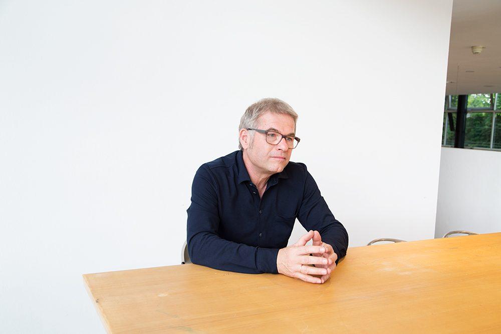 フェスティバルのディレクター、ディーター・ノイバート