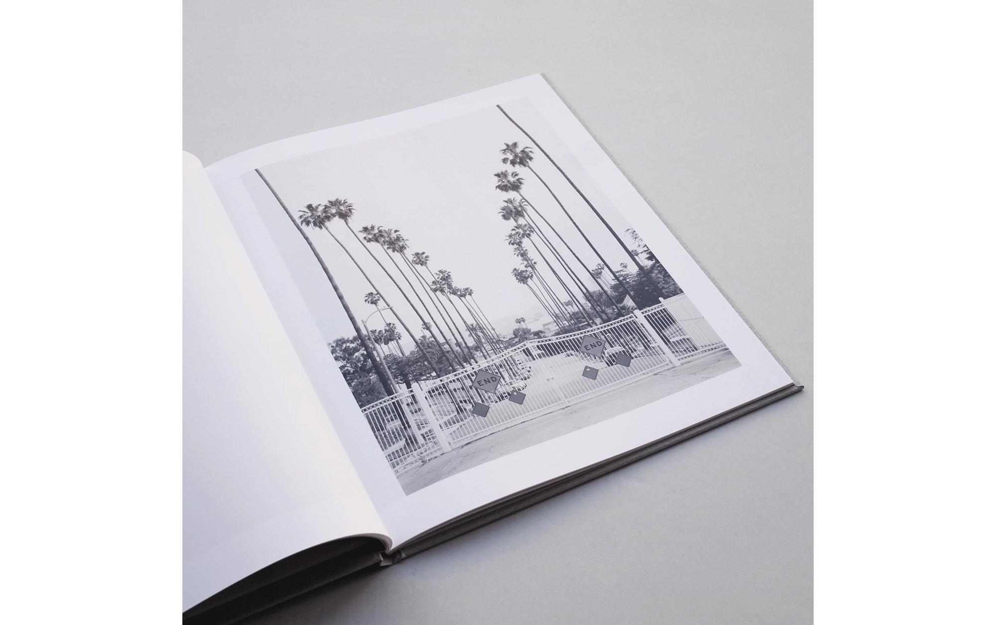 書店員がピックアップする11月のおすすめ写真集【POST編】 | マリー=ジョゼ・ヨンゲリウス『Los Angeles Palms』