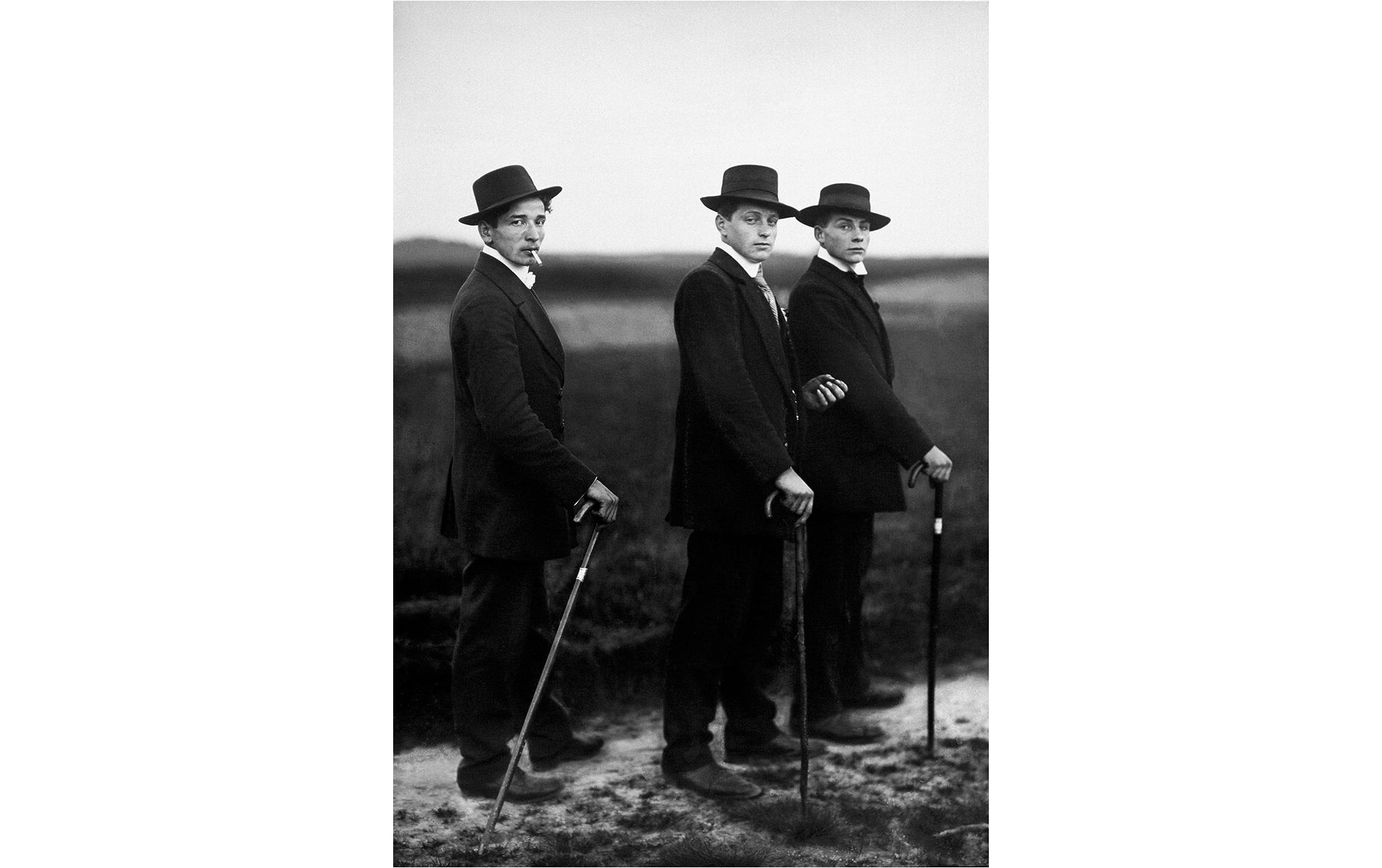 アウグスト・ザンダー「ポートレイトで世界を把握しようとした男」 | Young Farmers, 1914