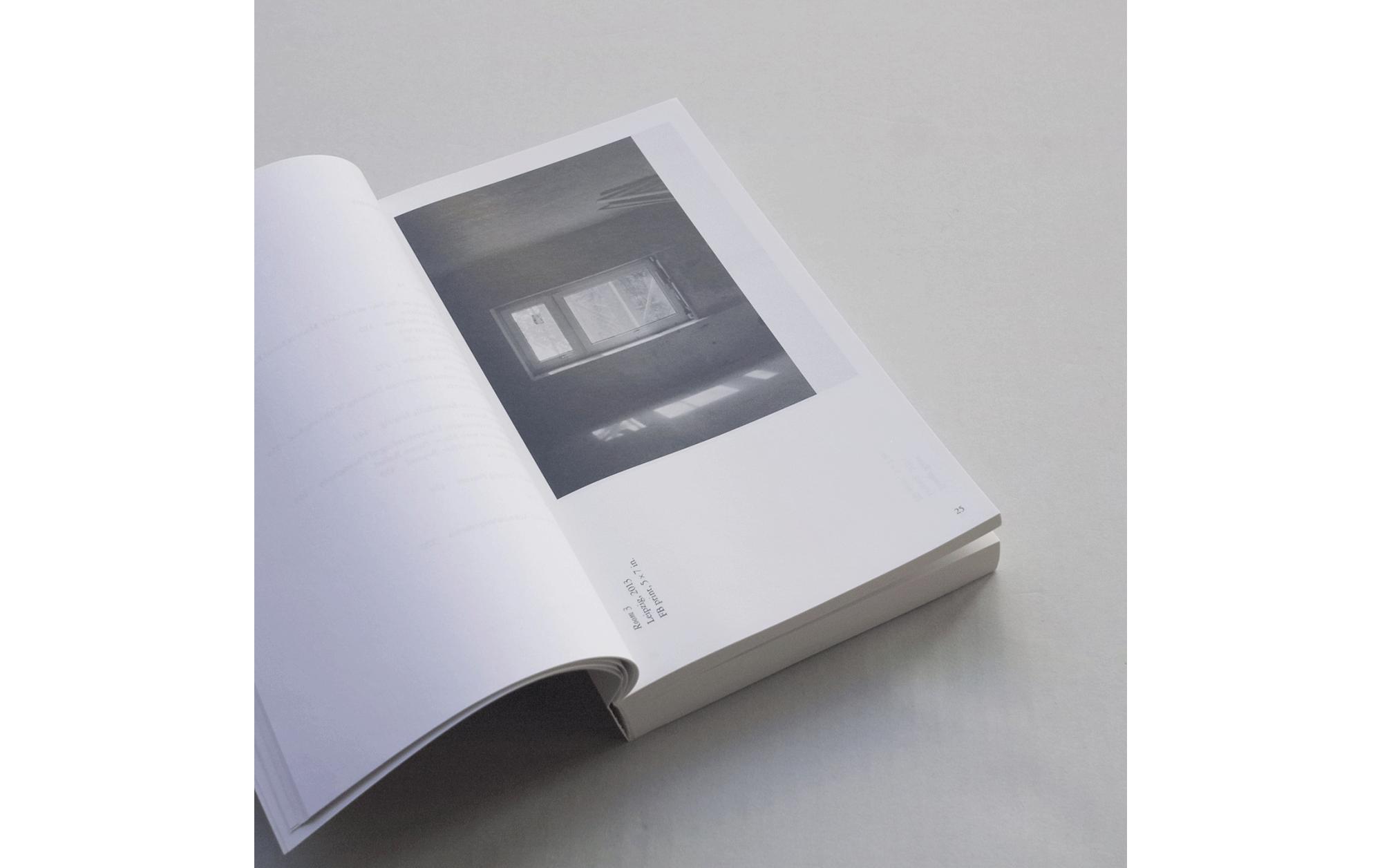 書店員がピックアップする4月のおすすめ写真集【POST編】   ジェフ・ウェーバー『An Attempt At A Personal Epistemology   Kunsthalle Leipzig』