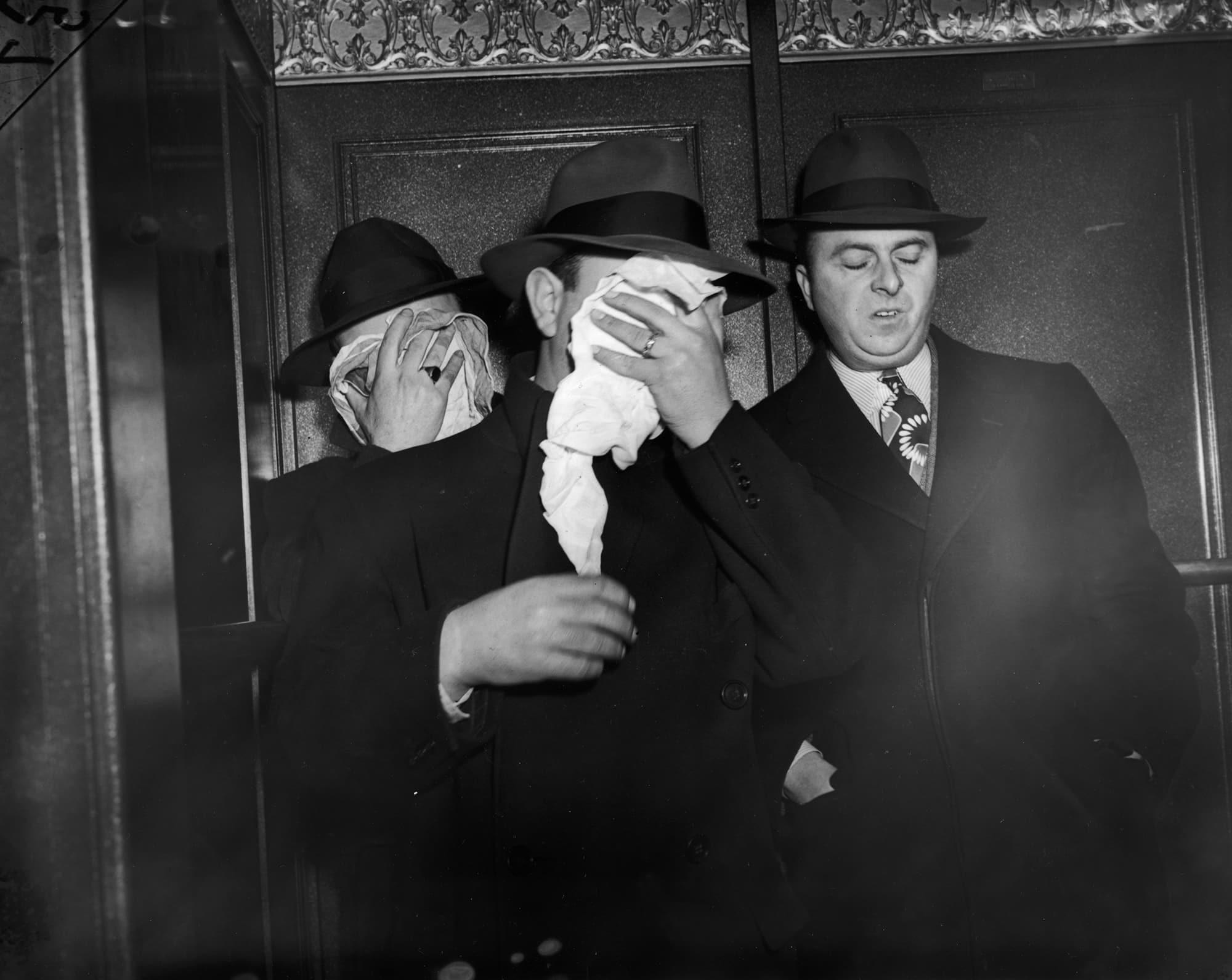 ウィージー「誰よりも早く現場に駆けつけ、写真を撮った男」 | Weegee(Arthur Fellig)/International Center of Photography/Getty Images