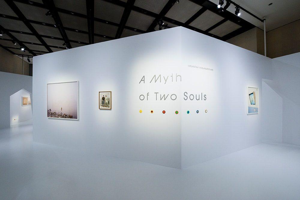 写真展「A Myth of Two Souls(二つの魂の神話)」展示風景 ©️   CHANEL NEXUS HALL