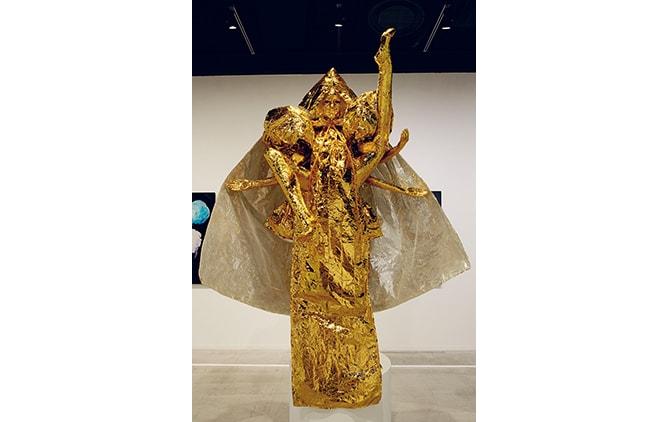 神々しい『- GODDESS ― 観世音菩薩像』