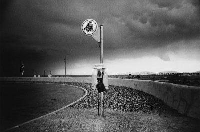奈良原一高「消滅した時間、ニューメキシコ」、1972 年/1973 年、ゼラチン・シルバー・プリント、27.6 x 41.6 cm © Narahara Ikko Archives / Courtesy of Taka Ishii Gallery Photography / Film