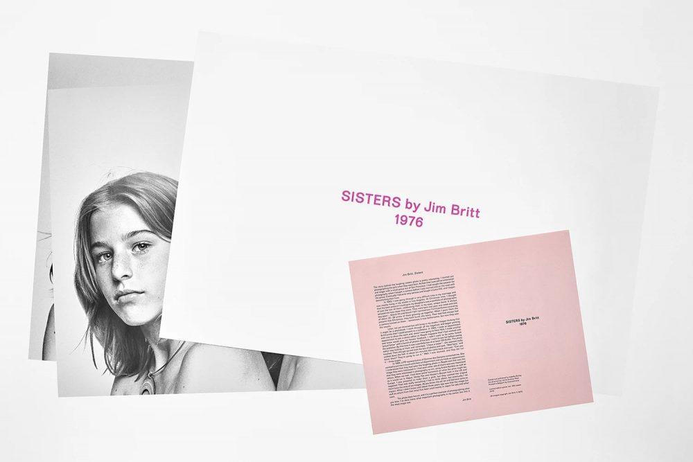『SISTERS BY JIM BRITT 1976 / POSTER EDITION』。サイズ:580 ×865mm、3枚セット、価格:18,000円(税抜)。