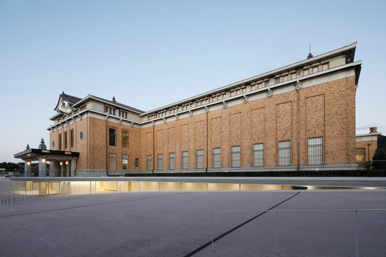 建築家・青木淳+西澤徹夫のリノベーションで生まれ変わった「京都市京セラ美術館」新たなアートスポットの見どころを紹介 | Photo: Koroda Takeru