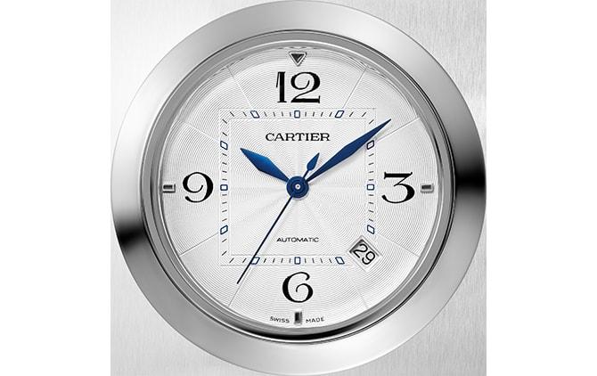 パシャ ドゥ カルティエの特徴的なダイアル © Cartier