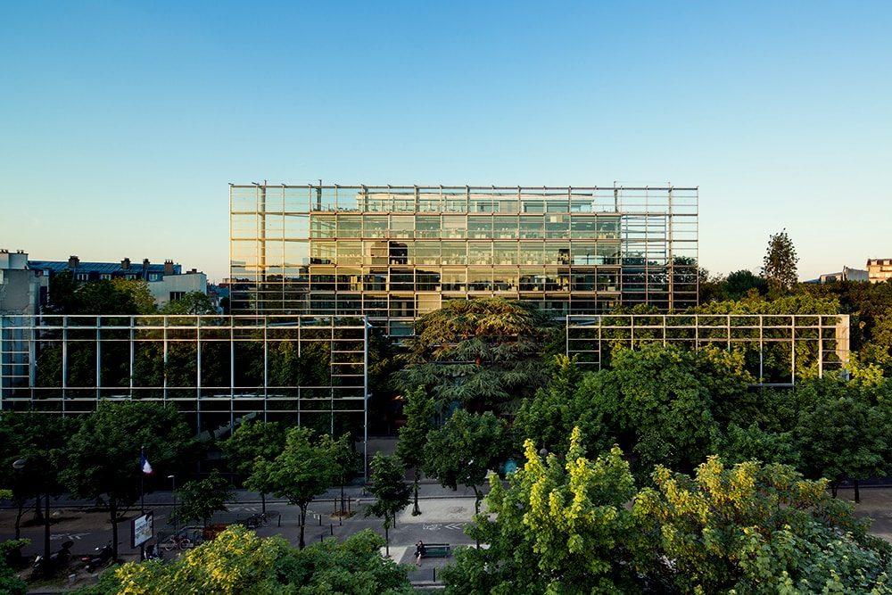 パリのカルティエ現代美術財団 © Luc Boegly