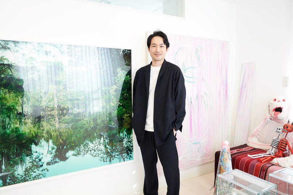 弁護士で、写真ファンで、グラビア好き。アートコレクター小松隼也