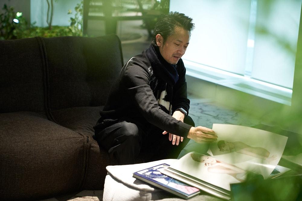 資生堂・原田忠が影響される写真集『セルジュ・ルタンス』 | 原田忠
