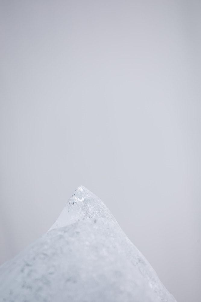 「無題」(シリーズ「M/E」より)2019年  H120 × W80 cm  ラムダプリント ed.3