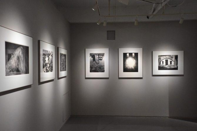 『地図』の刊行から65年以上たったいまなお生まれ変わる、川田喜久治の新作「エンドレス マップ」展
