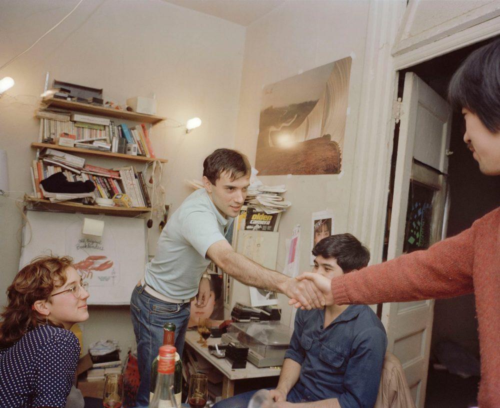 ©︎ Akiyoshi Taniguchi 1983, New York, My Apartment Living Room in Manhattan 「PHOTO-BOY 1979-1988 MY ROSE PERIOD IN AMERICA」(2017年)より