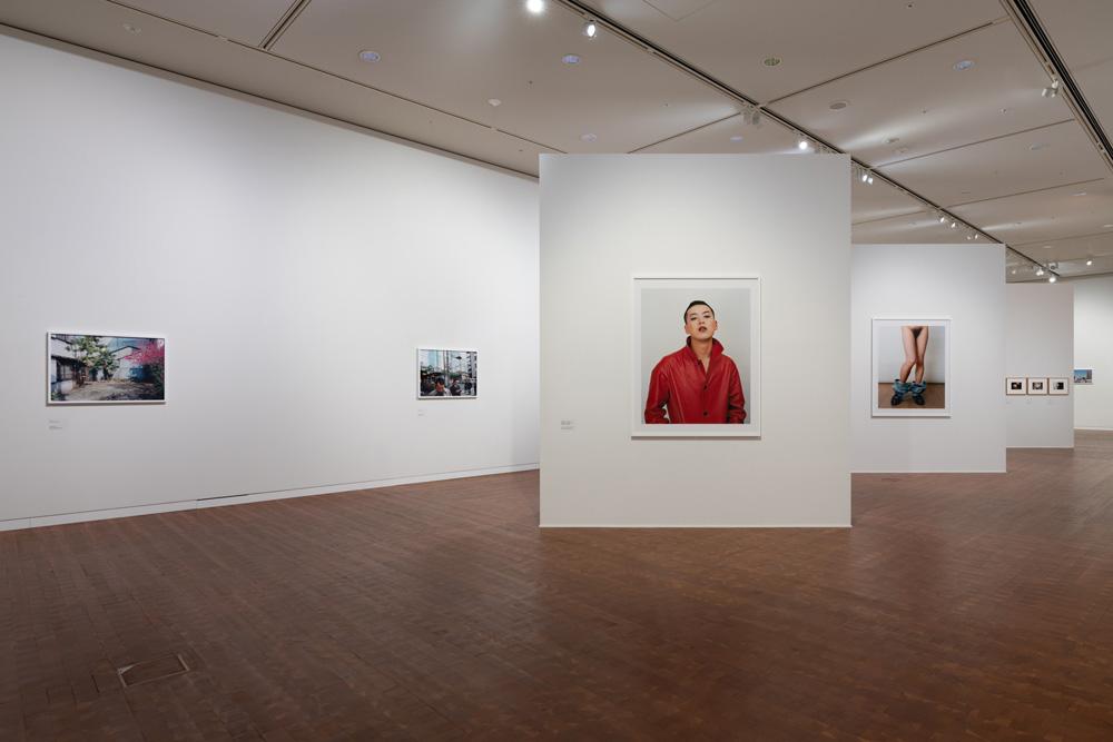 鷹野隆大「毎日写真1999-2021」展示風景 撮影:表恒匡