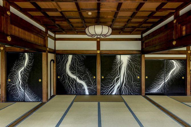 両足院大書院「杉本博司:日々是荒日」© Hiroshi Sugimoto / Courtesy of RYOSOKU photo: Masatomo Moriyama