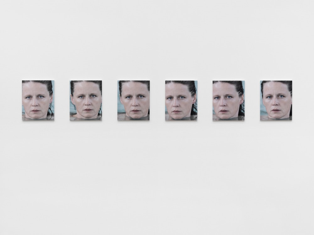 《あなたは天気 パート2》(部分)2010-2011年 66点のカラー印刷、34点の白黒印刷 Courtesy of the artist and Hauser & Wirth © Roni Horn