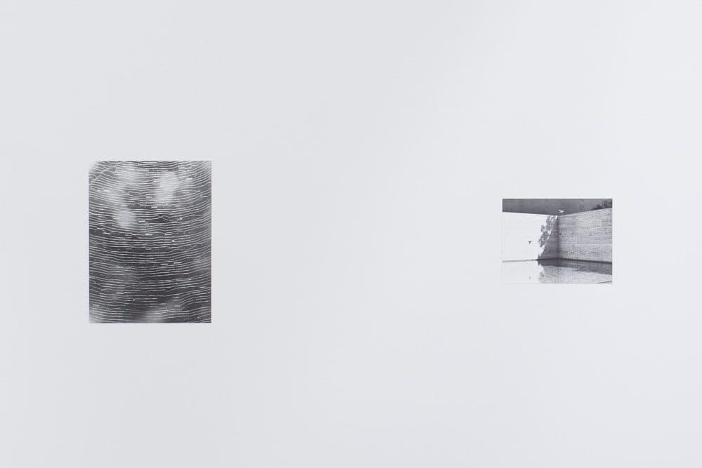 《クモの巣》2012/2015年(写真左)《バルセロナ・パビリオン》2007年(写真右)Photo by IZU PHOTO MUSEUMKenji Takahashi
